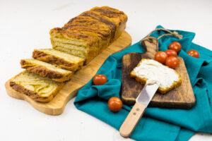 Pâine împletită cu busuioc