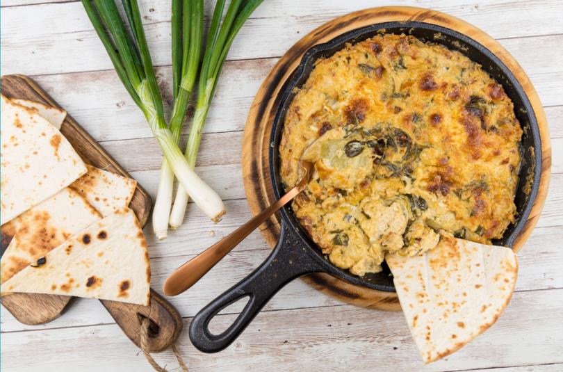 Spanac și anghinare gratinate în sos de brânze