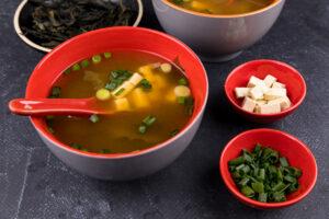 Supă miso cu tofu