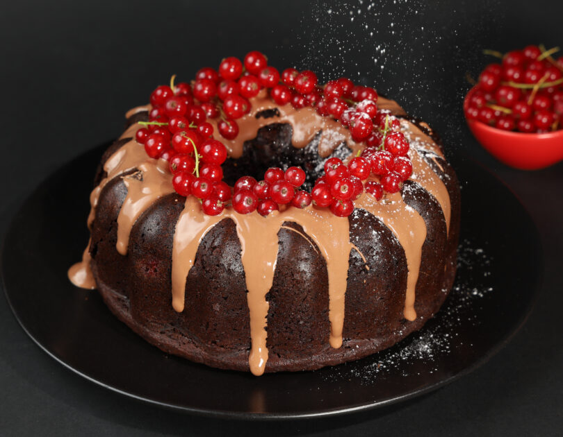 Chec cu ciocolată și coacăze roșii (fără gluten)