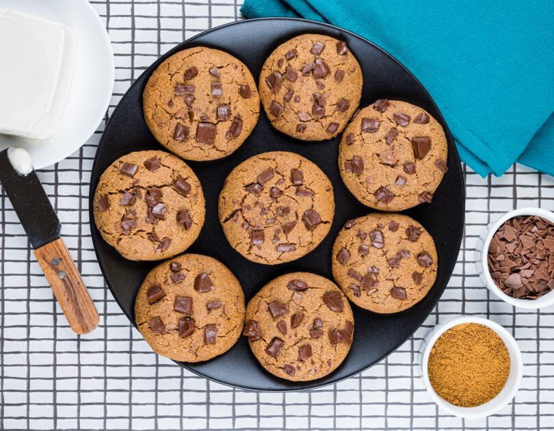 Biscuiți cu ciocolată (fără gluten, ouă și lactoză)