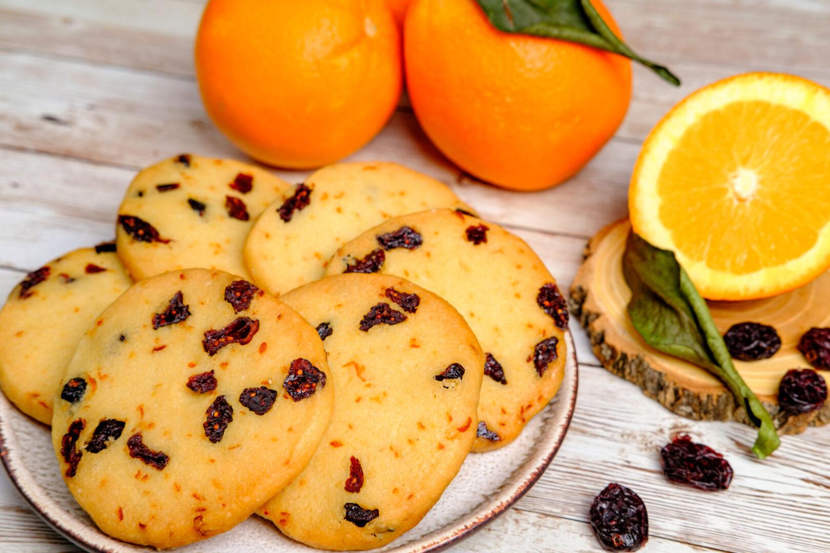 Biscuiți cu merișoare și portocală