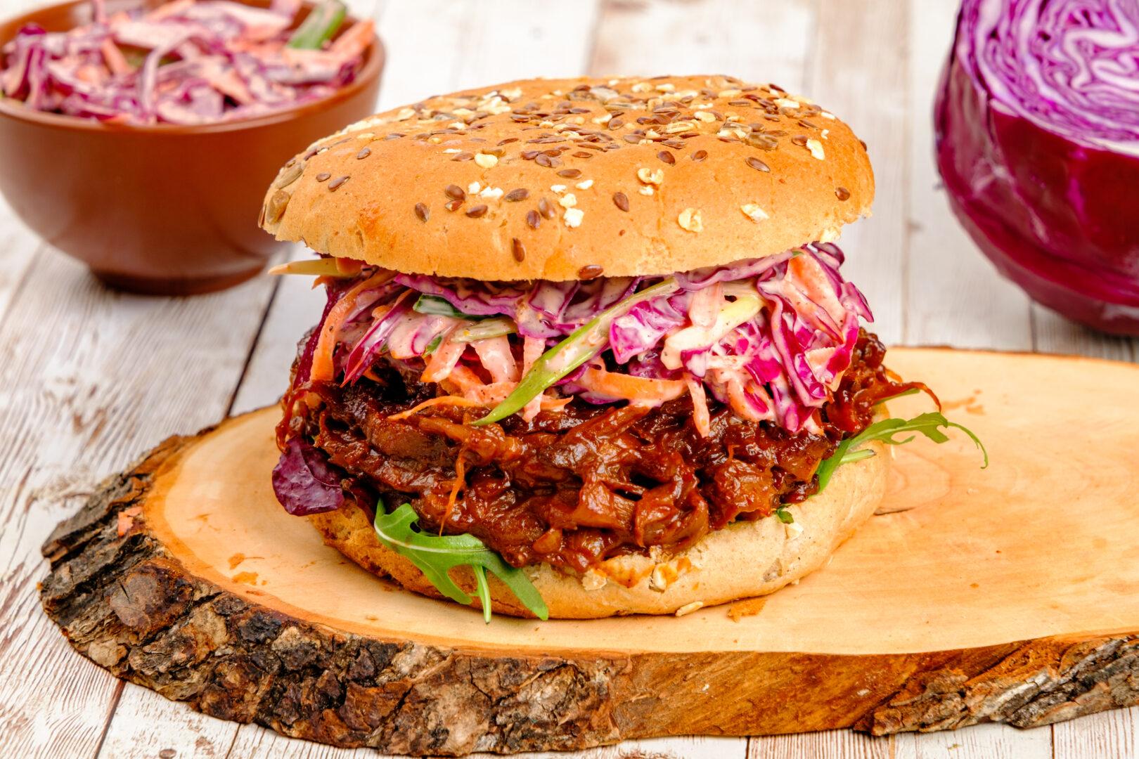 Pulled pleurotus burger