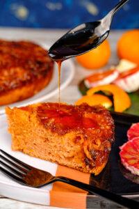 Tort cu portocale roșii