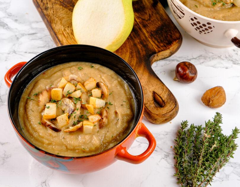 Supă cremă cu păstârnac, pere și castane