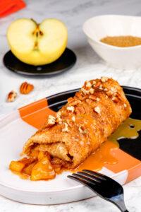 Enchiladas cu mere și scorțișoară