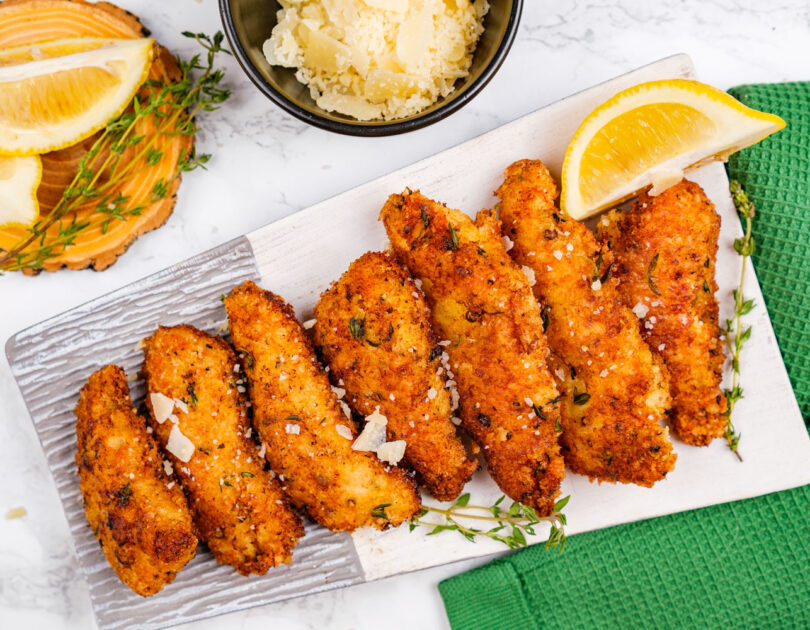 Chicken strips cu panko, parmezan și lămâie