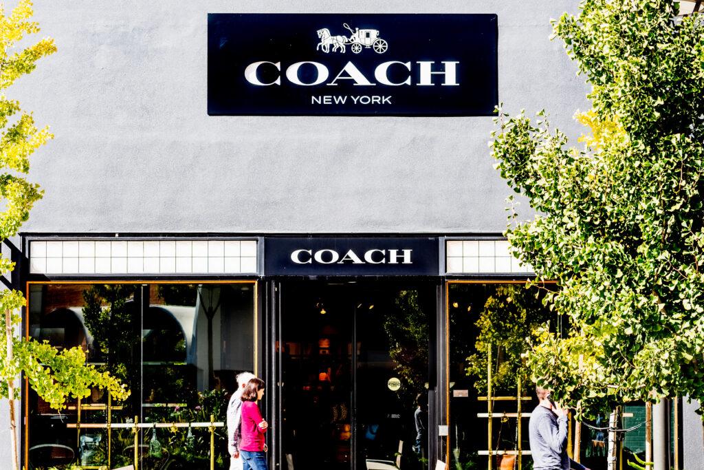 Coach - Coach It Forward
