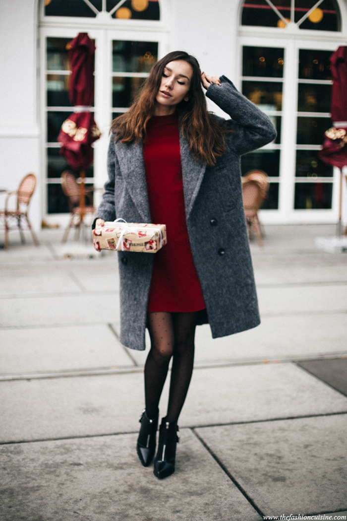 Cozy Oversized Coat Ankle Boots