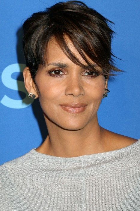 Elegant Short Hairstyles For Women (15)