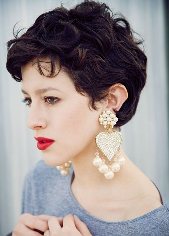 Elegant Short Hairstyles For Women (2)
