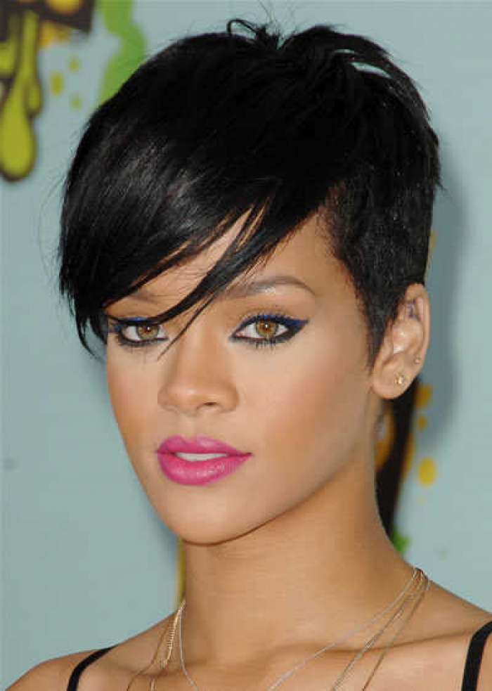 Elegant Short Hairstyles For Women (50)
