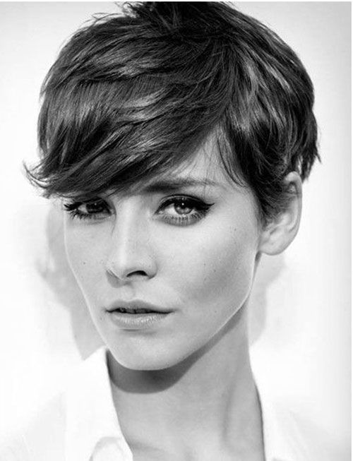 Elegant Short Hairstyles For Women (7)