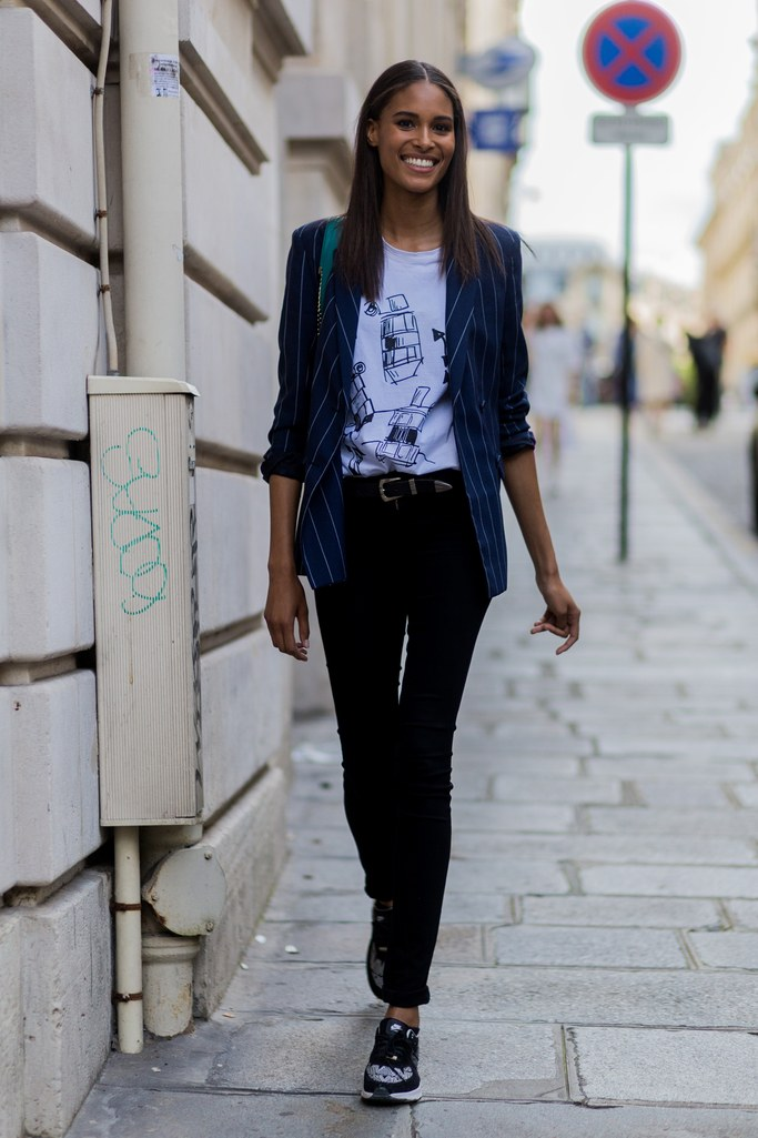 Printed Blazer paired With Black Jeans & Sneakers Beautifulfeed