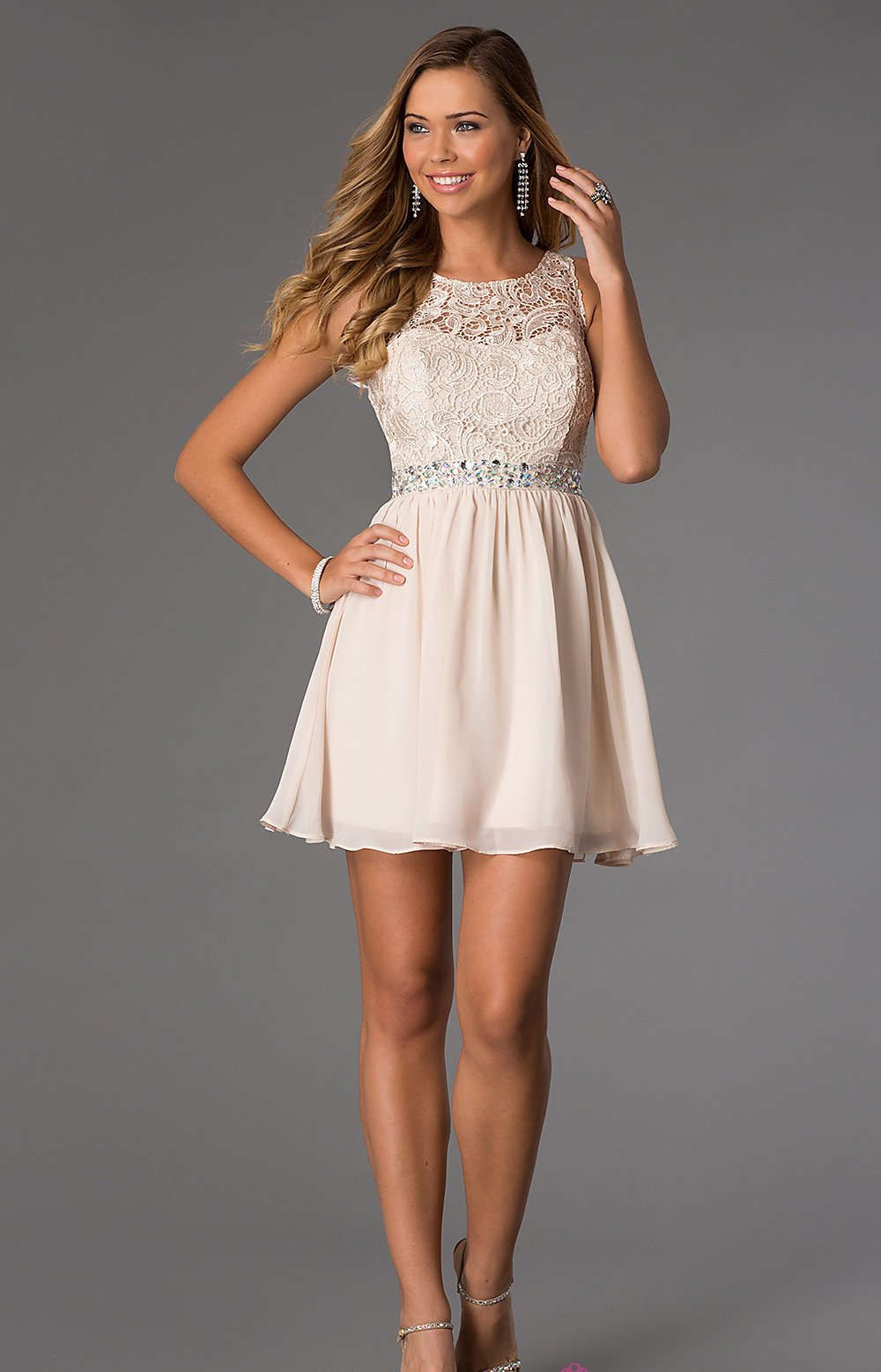 Short Sleeveless Dress With Lace Bodice Beautifulfeed