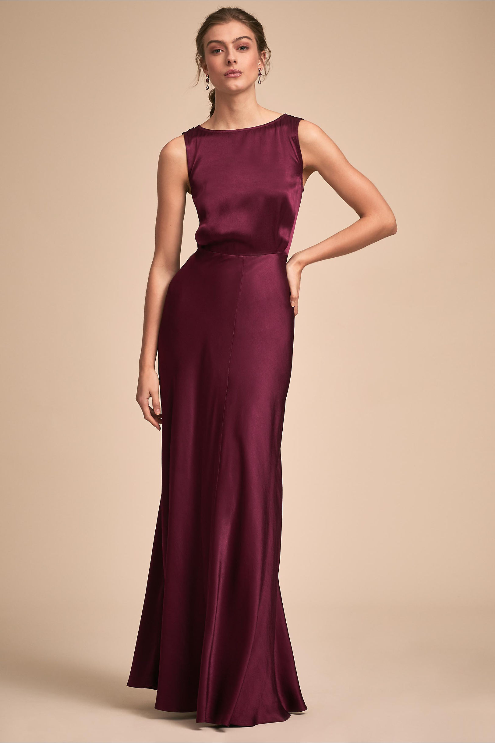 Sleek and luxurious Gown Beautifulfeed