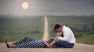 30 Romantic Couple Photography For Your Inspiration