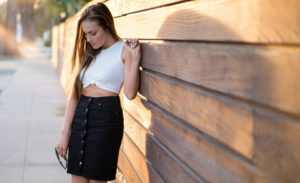 25 Girls In Crop Tops & Skirt Ideas To Flaunt In This Season