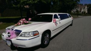 5 Reasons Why You Need a Wedding Limo for Your Ceremony (Now!)
