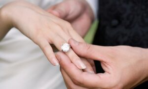 How to Buy the Perfect Diamond Engagement Ring on a Budget