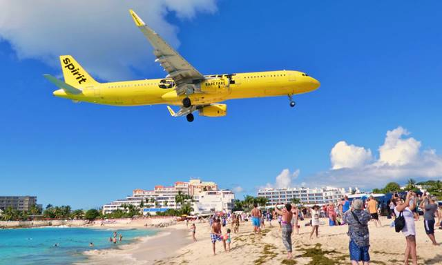 plane spotting St. Mareen