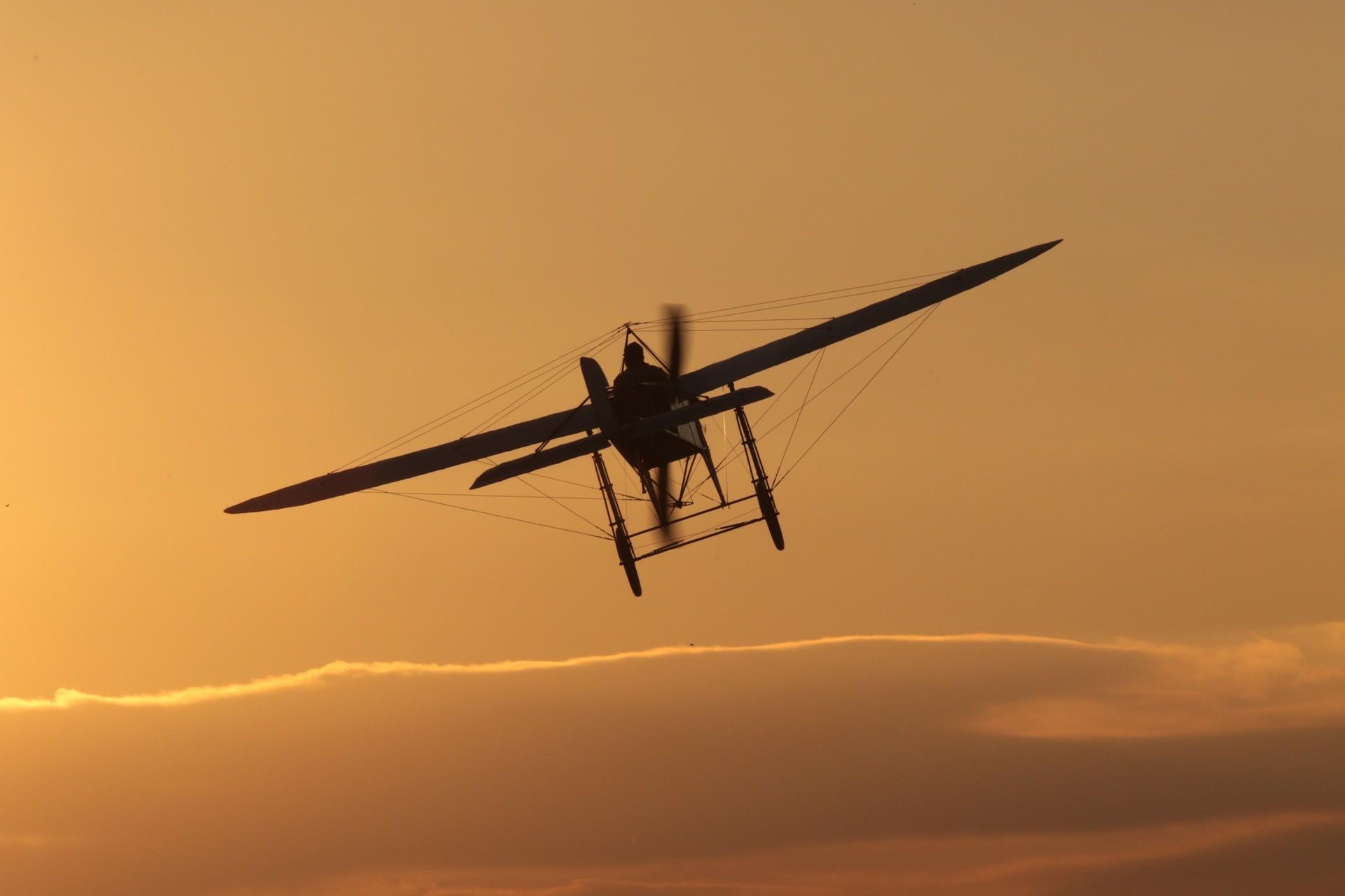 sunset light aircraft