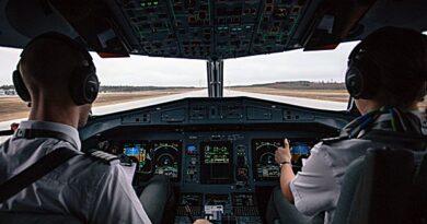 pilot salaries
