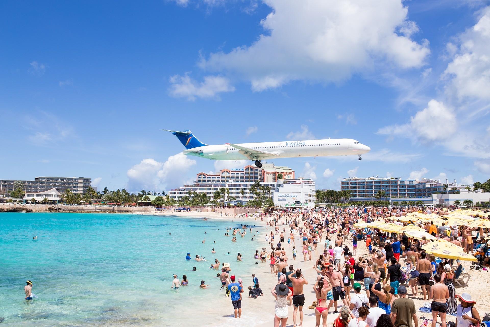 Planespotting Maho Beach