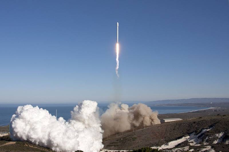 rocket launch spacex