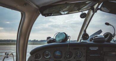 pilot headset brands