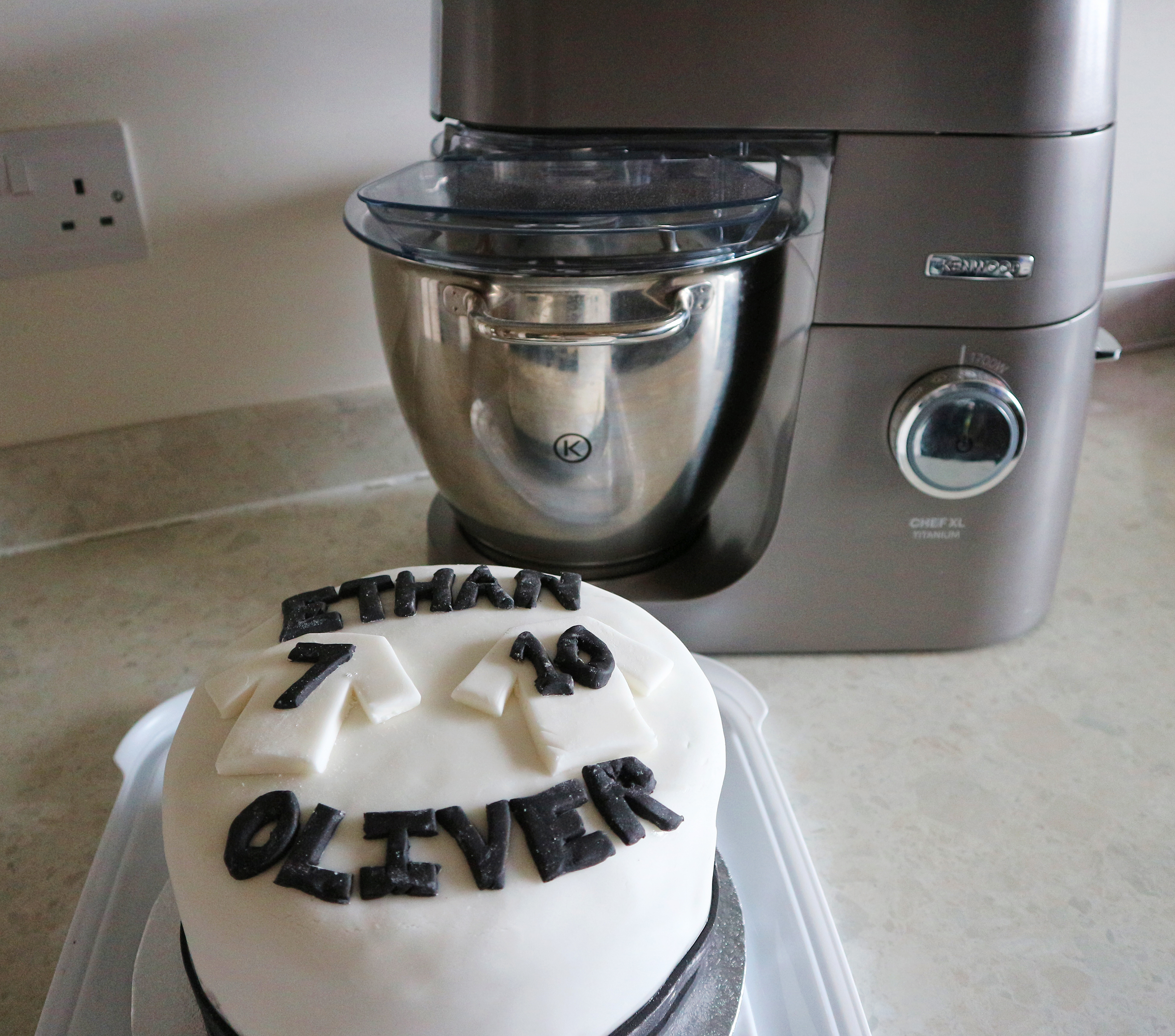 Making a special cake with AO