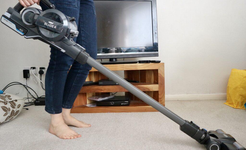 VAX ONEPWR Blade 4 carpet