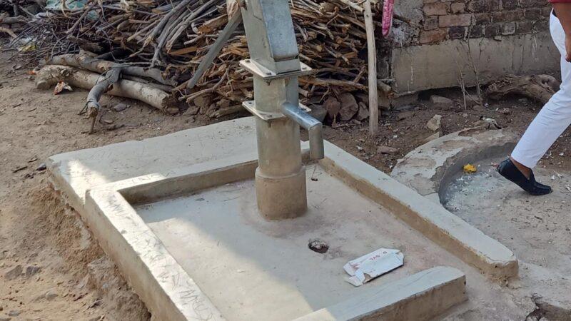 हेल्पिंग बॉईज ग्रुप तर्फे देवरी शहरातील सार्वजनिक बोरवेल दुरुस्ती व सफाईची मागणी