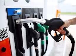 पेट्रोल-डिझेलच्या भाव वाढीने सरकार मालामाल : टॅक्समधून सरकारची ३.३५ लाख करोड रुपयांची कमाई