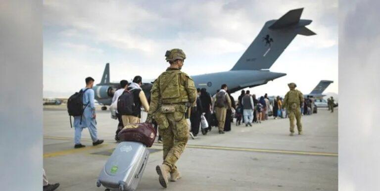 अमेरिकेनं अफगाणिस्तानची भूमी सोडली, तालिबानचा आनंद व्यक्त करण्यासाठी रात्रभर गोळीबार