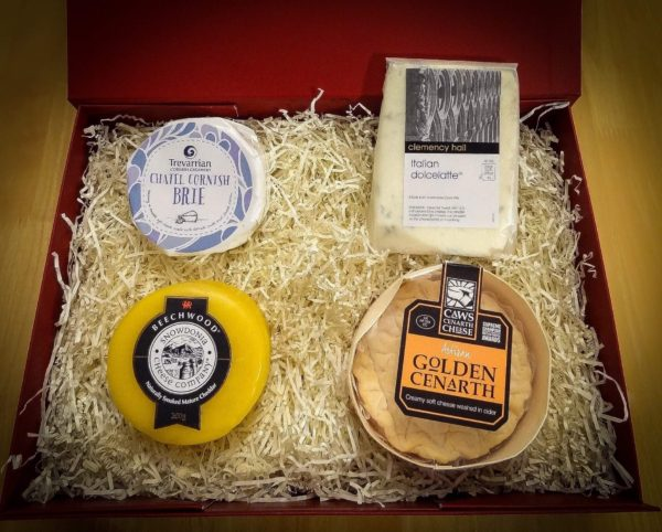 Cheese lover's for her gift hamper