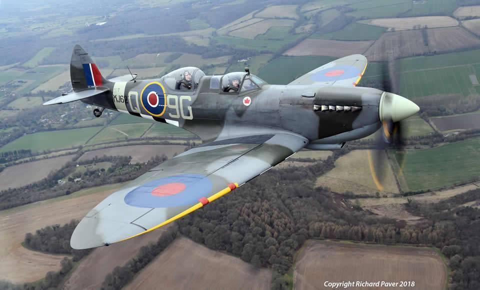 Fly a 2 seater spitfire