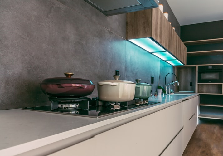 Kitchen Lighting ideas, under pelmet lighting.
