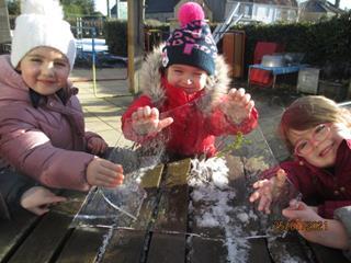 Sunbeams-nursery-playing-outside