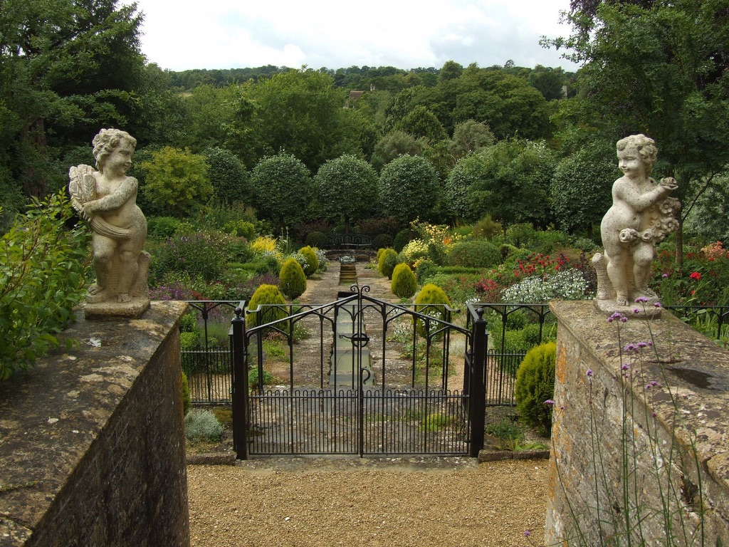 The gardens Eastlech House - formally Ravens Hill
