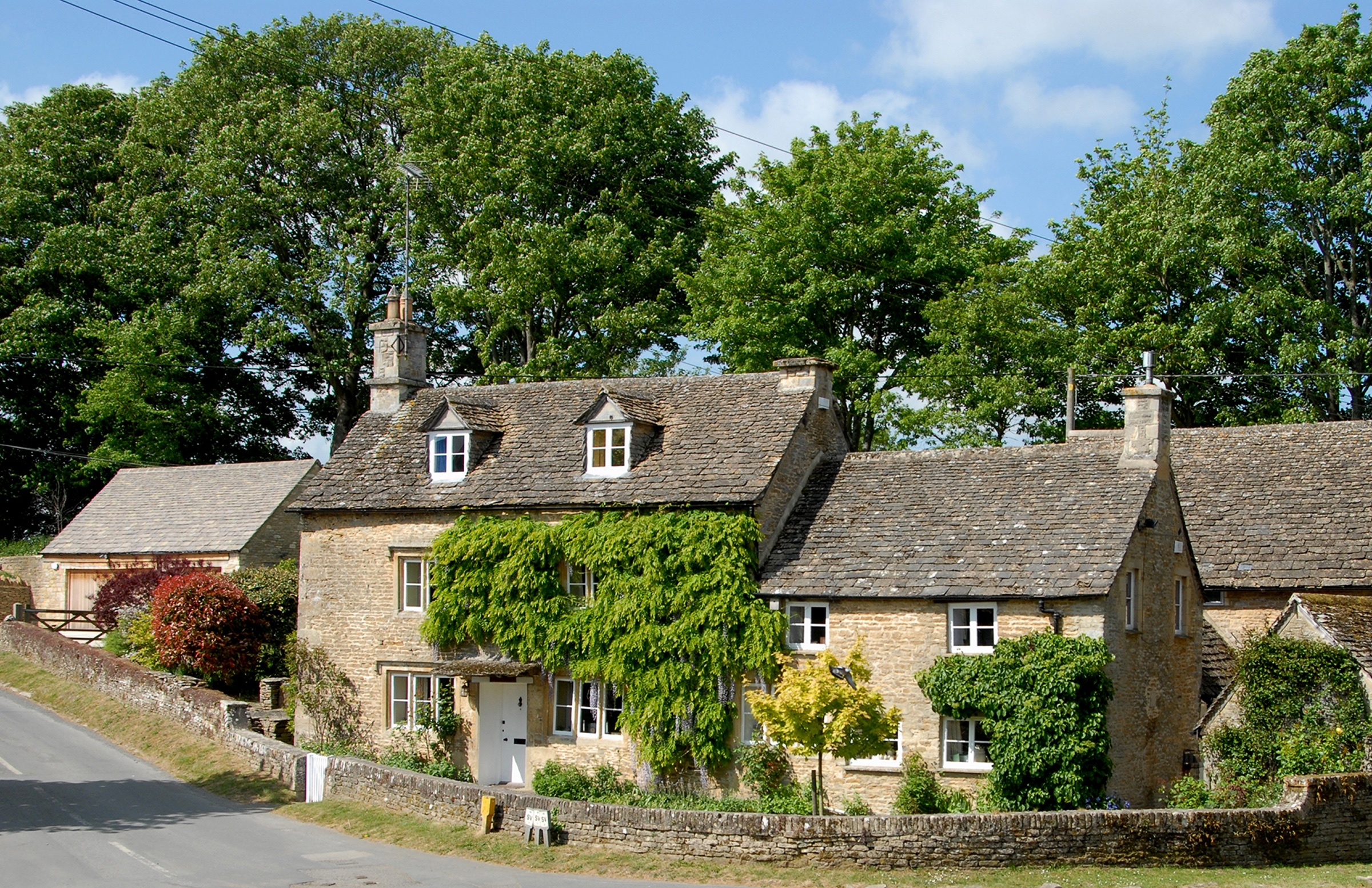 Cobblestones, now known as Orchard Cottage, listed building in Eastleach, Cotswolds , Gloucestershire
