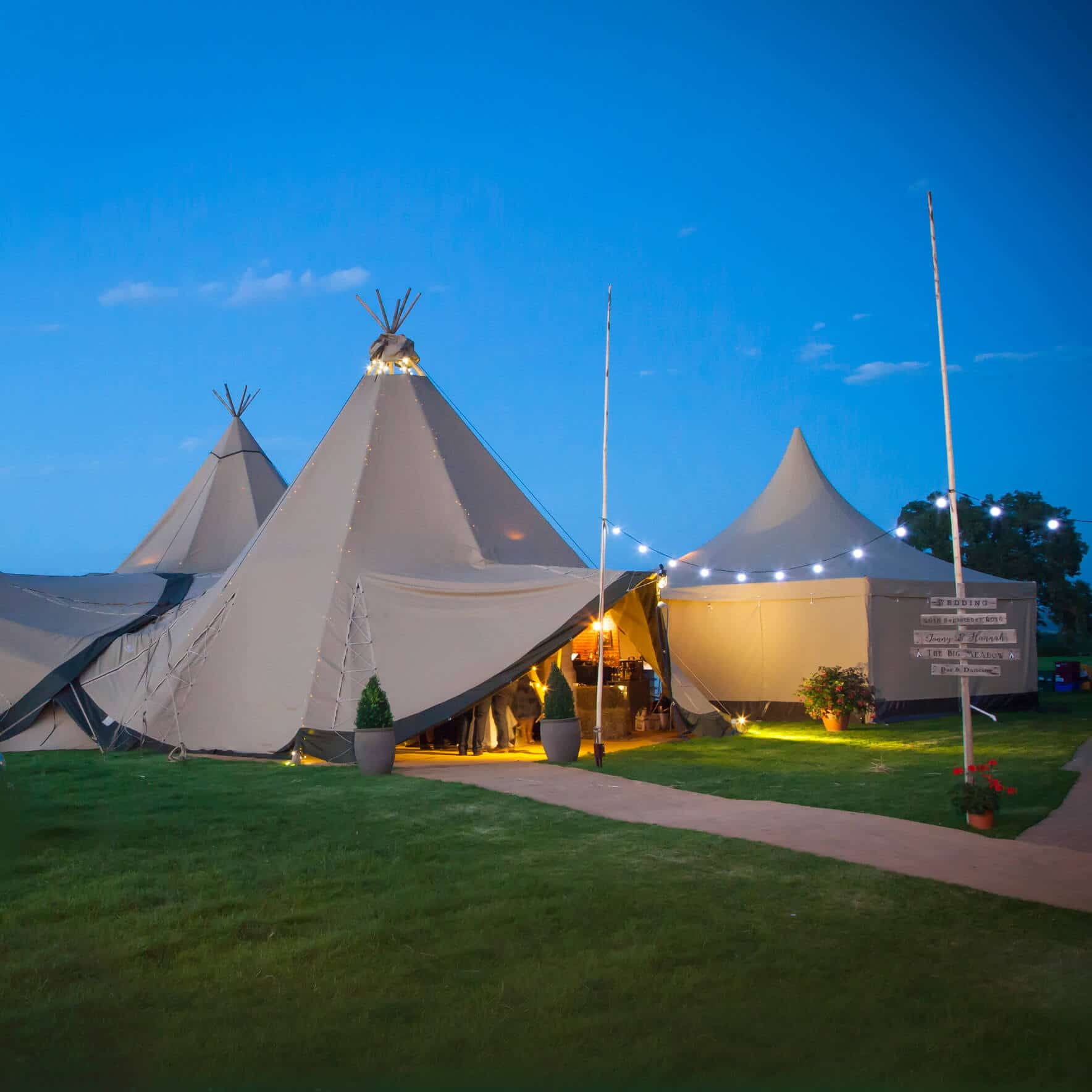 BAR EVENTS UK TEEPEES