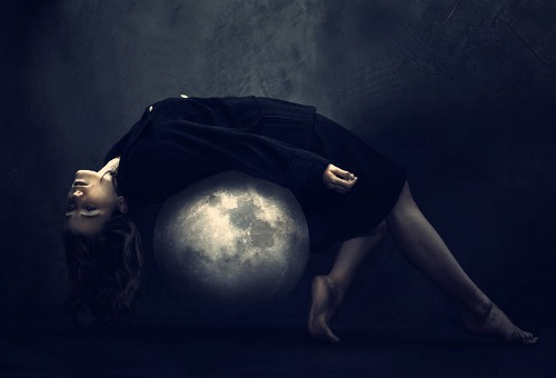 Moon-Pluto Aspects: The Dark Moon