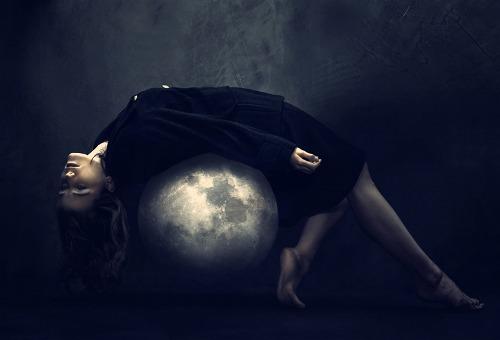 Mercury-Pluto Aspects: Paranoid Much?