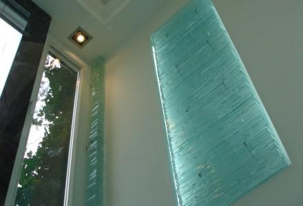 Glass sculpture wall light 2