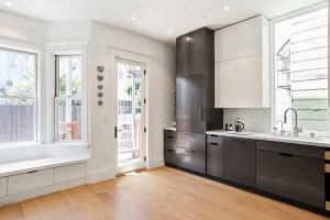 kitchen-window-seat