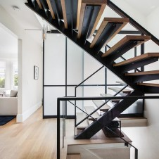 stairs-white-room-duboce