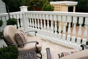 white-deck-chairs