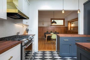wood-counter-open-kitchen