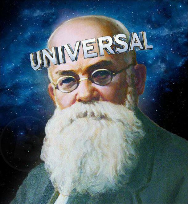 Мем про Грушевського. Навколо голови надпис Universal. Це тому, що Грушевський приймав Універсали